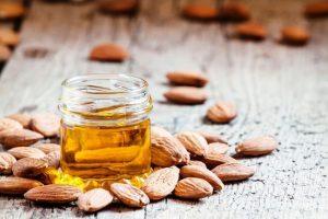موارد احتیاطی قبل از خرید روغن بادام شیرین