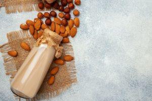 فراوردههای بادام مامایی